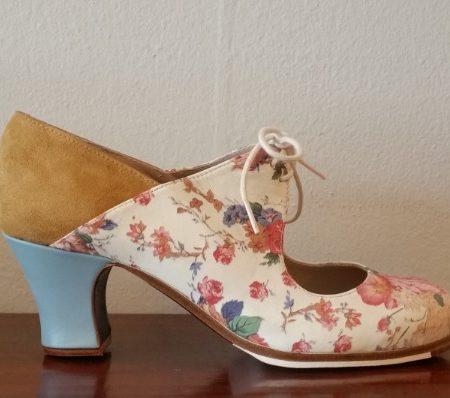 Zapato profesional flamenco Arty floreado 38-5 ancho lado 162