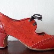 Antiguo Cordones rojo brillos lado LIV