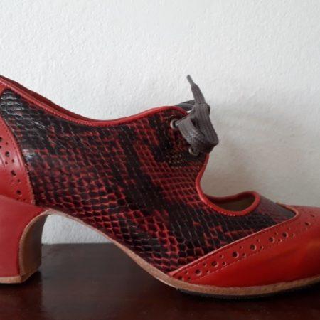 Antiguo Cordones serpiente negro-rojo ladoLIV